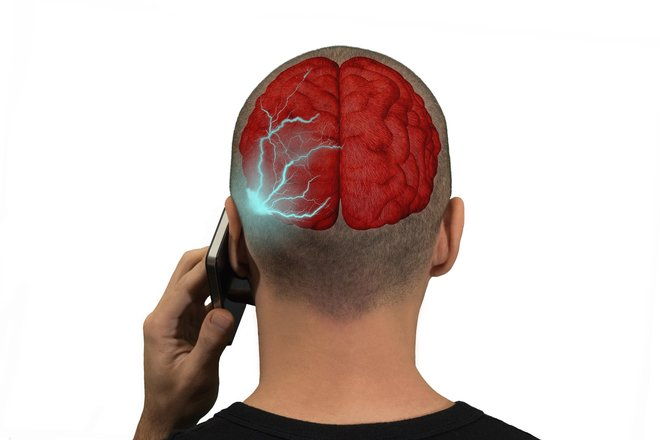 Cell phones emit radiation - but what are the consequences?