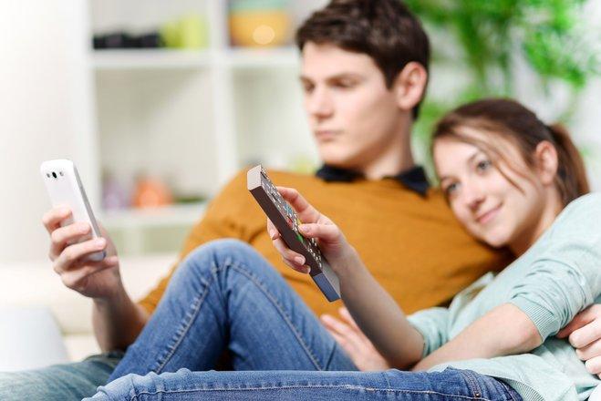 Hört das Handy zu, wenn Sie fernsehen?