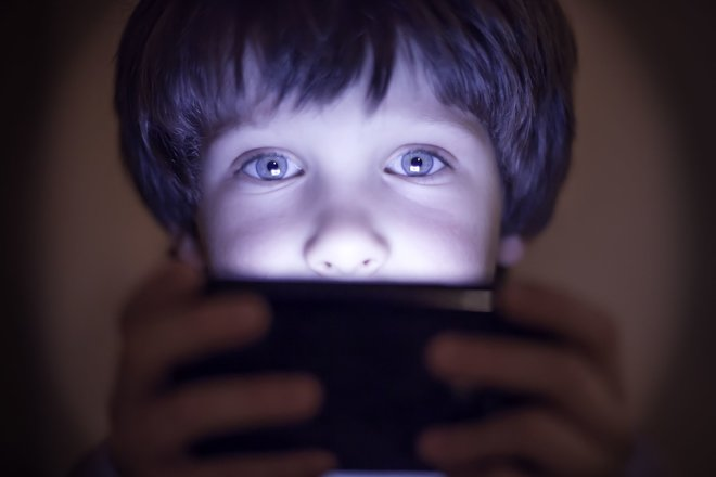What restrictions should apply to kids' cellphones?