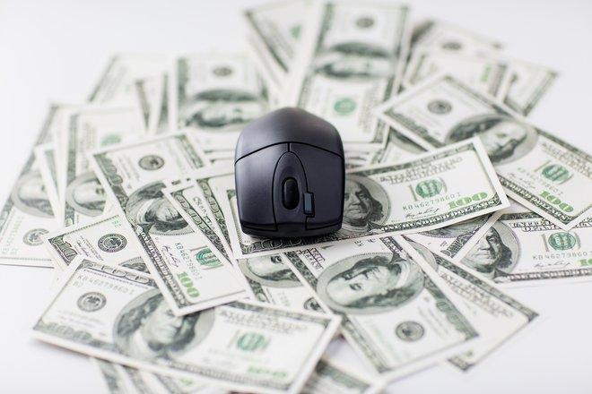 Geld reagiert auch das Internet